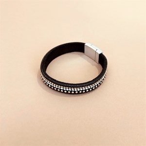 Chain Edge Diamante Magnetic Cuff