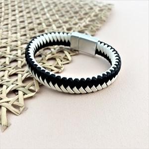 Mono Plait Magnetic Cuff