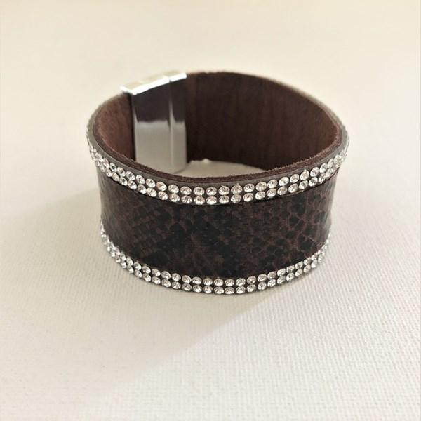 Diamante Trim Reptile Magnetic Cuff