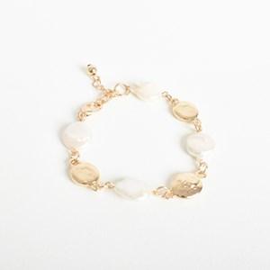 Button Pearl Cast Bracelet