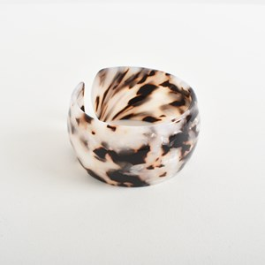 Curved Resin Wide Cuff