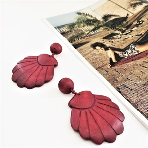 Timber Scallop Shell Earrings