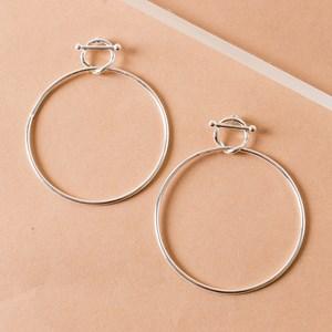 Metal Loop Toggle Hoop Earring