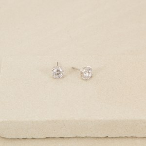 10mm Diamante Stud with Double Claws