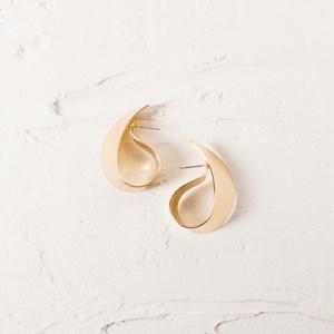 Curl Stud Earrings