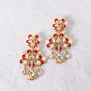 Oriental Pearl Faceted Glass Clip On Earrings