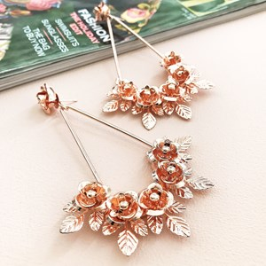 Metal Roses Teardrop Earring