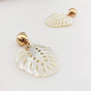 Cut Out Shell Leaf Earrings