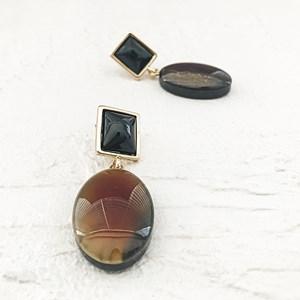 Oval Drop Resin Earrings