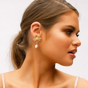 Filigree Daisy Fresh Water Pearl Drop Earrings