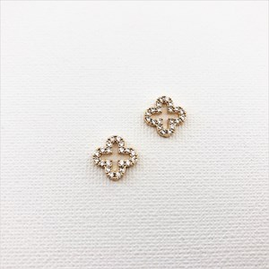Cubic Zirconia Edge Clover Stud Earrings