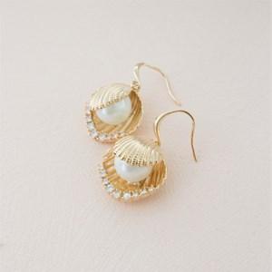 Clam Shell & Pearl Hook Drop Earrings