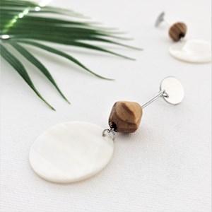 Timber Shape & Shell Disc Rod Drop Earrings