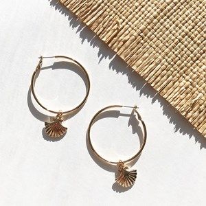 Fan Shell Charm Hoop Earrings