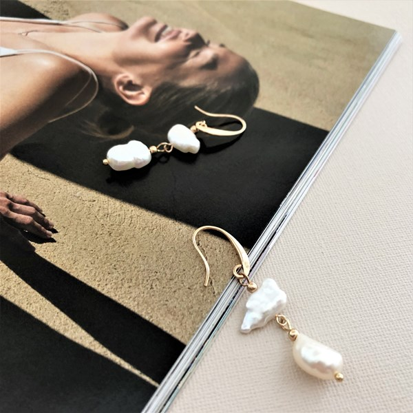 Natural Pearl Drops Hook Earrings
