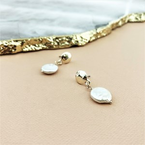 Natural Disc Pearl Button Pearl Earrings