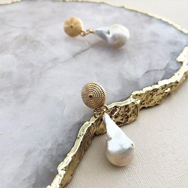 Baroque Pearl Metal Top Earrings
