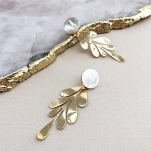Shell Metal Leaves Drop Earrings