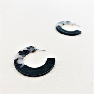 Half Patterned Flat Resin Front Hoops