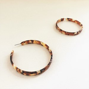 Lila Large Resin Hoop