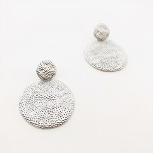 Pitted Layered Disc Earrings