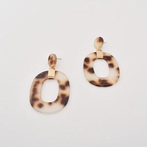 Mod Resin Cut Out Oval Drop Earrings