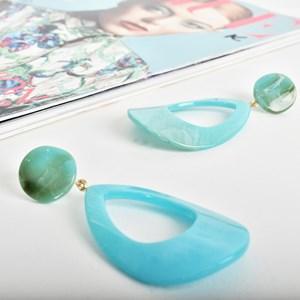 Resin Teardrop Cut Out Earrings