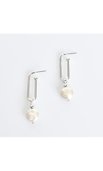 Long Link Button Pearl Earrings
