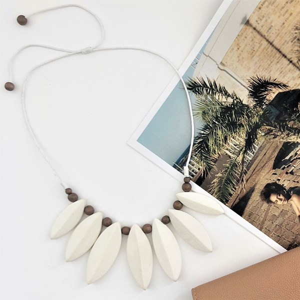 Etched Leaf Front Timber Cord Necklace