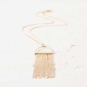 Arched Fine Fringe Necklace