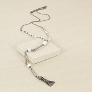 Y Shaped Aged Stone & Short Tassel Necklace