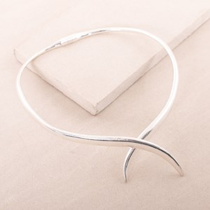 Structured Metal Crossover Necklace