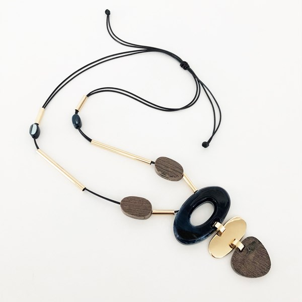 Pods Rod Resin Timber Necklace