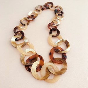 Resin Round Chain Link Necklace