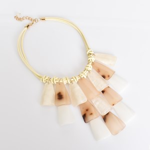 Cream Resin Layered Paddle Necklace