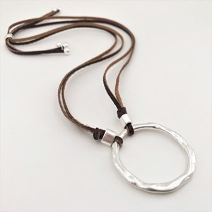 Beaten Ring Leather Back Necklace