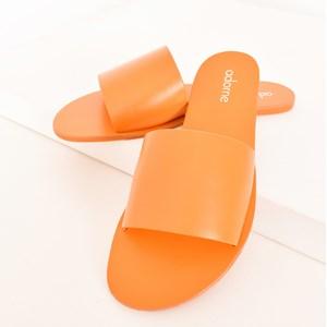 Madrid Essential Slides Size 41