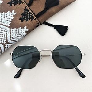 5070A Coloured Lens Shaped Sunglasses