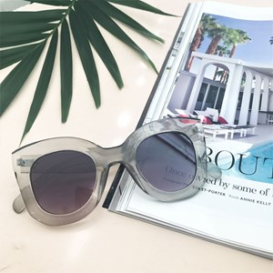7606C Large Fashion Frame Sunglasses