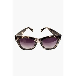7654F Londons Calling Oversized Sunglasses