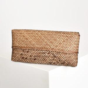 Natural Weave Clutch