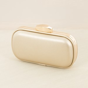 Curved Rectangle Structured Clutch