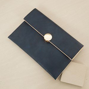 Fold over Clutch with Disc Closure