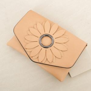 Ring Flower Cutout Clutch