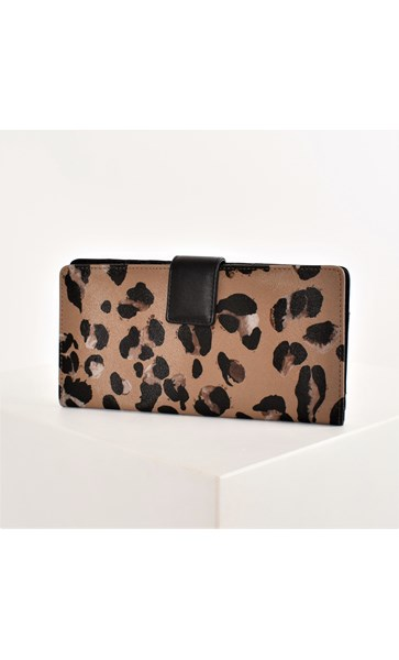 Abstract Leopard Print Weekender Travel Wallet