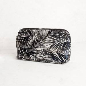 Palm Print Curved Makeup